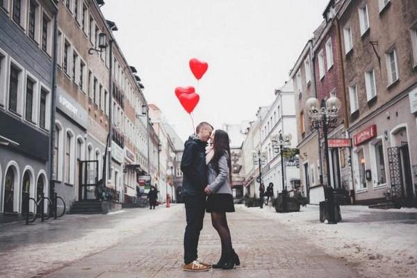 自分に合った婚活サイトを見つける