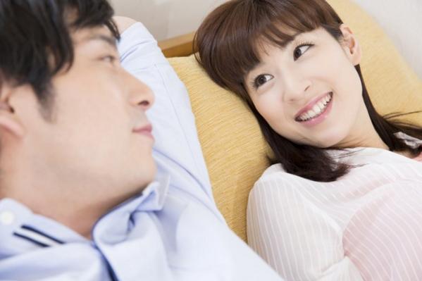 婚活 おっさん 若い女性 対等な立場